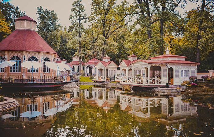 Вид на Озеро в Dasko Garden